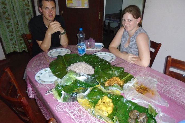 Staying with a Local Family in a Homestay in Sri Lanka - Sri Lanka Staying with a Local Family in a Homestay - Sri Lanka Homestay Experience - Staying  in Sri Lanka - Stay in Sri Lanka Local Family
